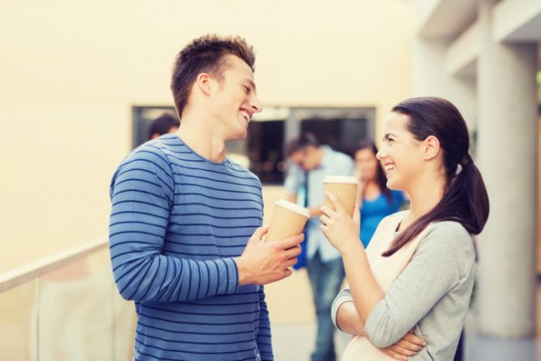 как поддержать знакомство с девушкой