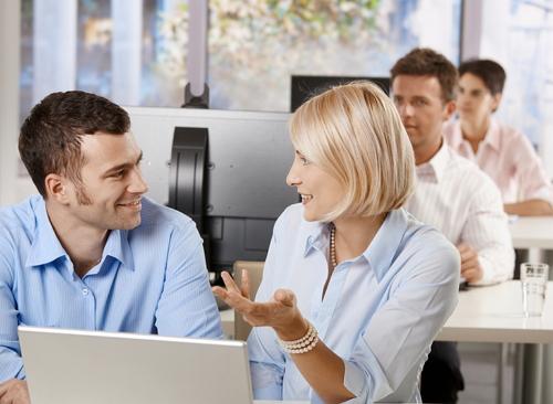 флирт на работе с мужчиной, флирт с коллегой по работе, как флиртовать с мужчиной правильно