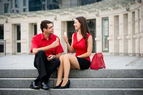 Знакомства девушками на улице