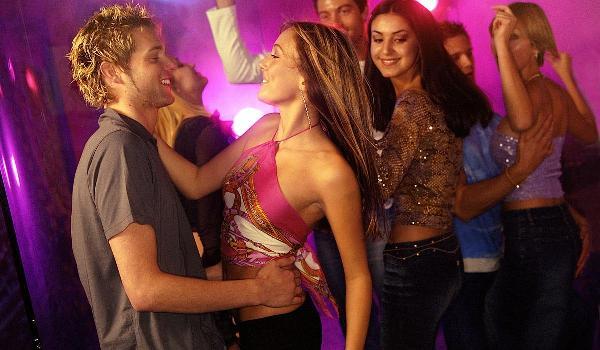 как легко познакомиться с девушкой в клубе
